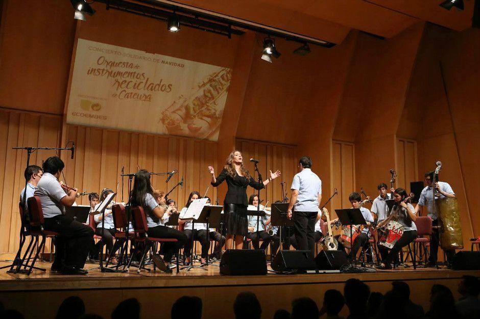 Orquesta Reciclada de Cateura y María Toledo