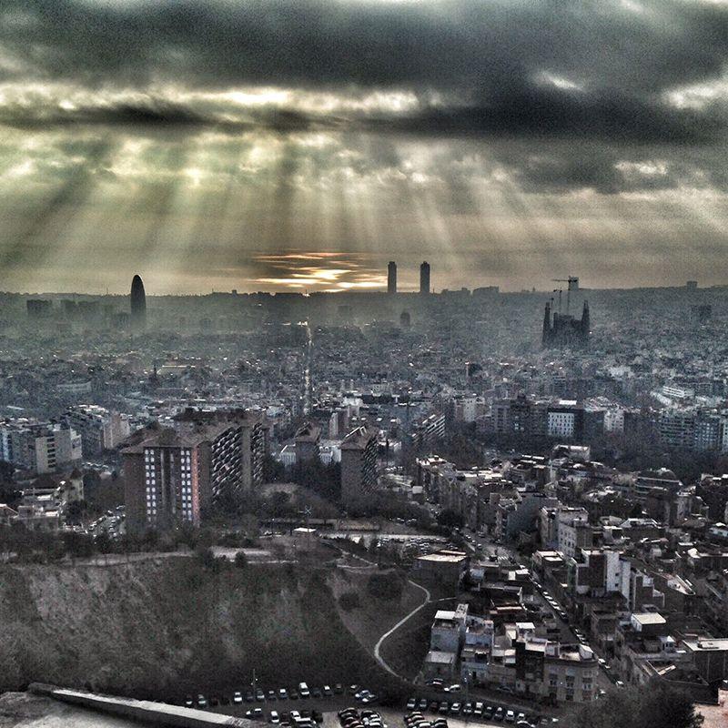 Barcelona contaminada, desde el Turó de la Rovira
