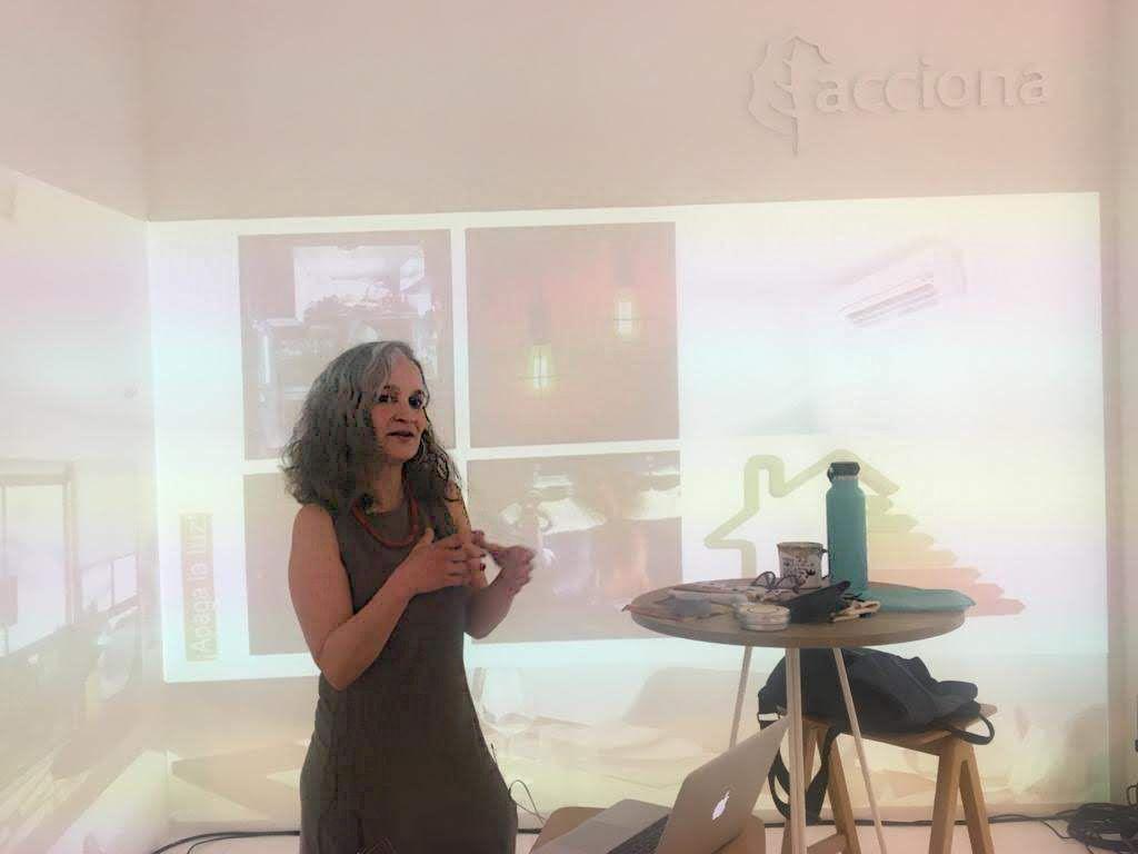 charla sobre vida sostenible y consumo responsable. Ifema MAdrid Yve Ramírez